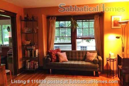 Fully-furnished 4-bed home in W. Medford-access to Cambridge/Somerville/Bos Home Rental in Medford, Massachusetts, United States 3