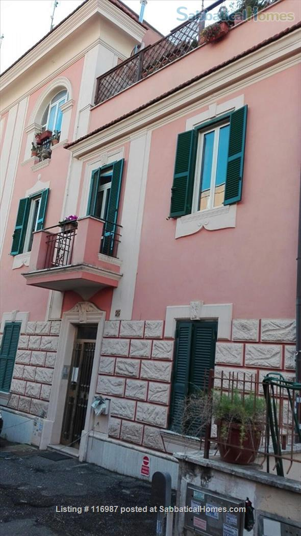 Bright, quiet and well connected studio apartment  Home Rental in Rome, Lazio, Italy 3