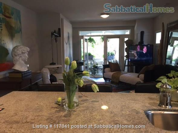 Beautiful Guest Room in Lakefront Location  Home Rental in Toronto, Ontario, Canada 0