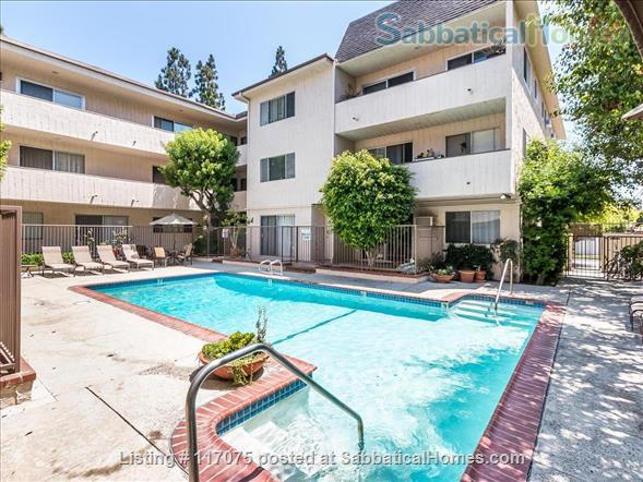 Top Floor Westwood Condo with Mid-Century Vibe Home Rental in Los Angeles, California, United States 9