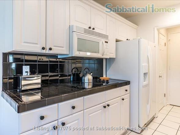 Top Floor Westwood Condo with Mid-Century Vibe Home Rental in Los Angeles, California, United States 4