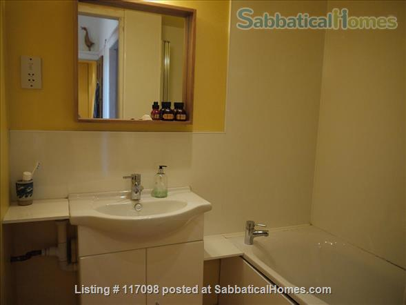 Bright & quiet 2 bedrooms flat in UNESCO Old Town, Edinburgh Home Rental in Edinburgh 9 - thumbnail