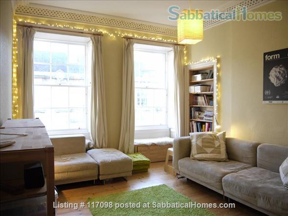 Bright & quiet 2 bedrooms flat in UNESCO Old Town, Edinburgh Home Rental in Edinburgh 1 - thumbnail