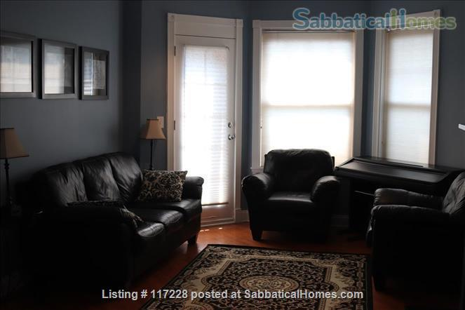 2BR Classy Apartment in Hyde Park Home Rental in Chicago, Illinois, United States 0
