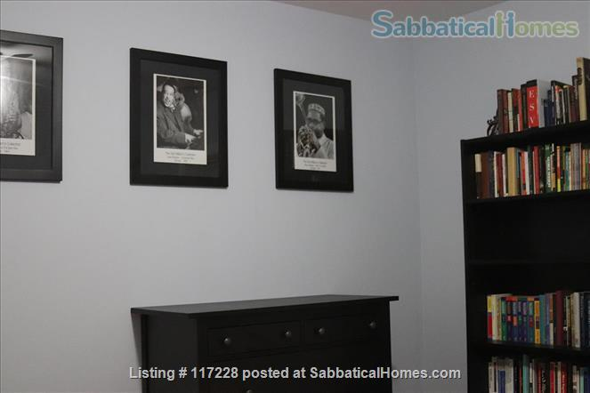 2BR Classy Apartment in Hyde Park Home Rental in Chicago, Illinois, United States 3