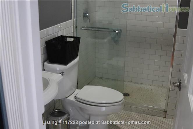 2BR Classy Apartment in Hyde Park Home Rental in Chicago, Illinois, United States 5