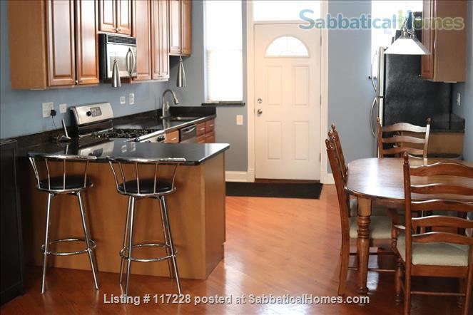 2BR Classy Apartment in Hyde Park Home Rental in Chicago, Illinois, United States 6