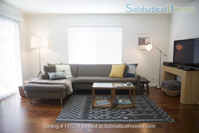 Beautifully renovated 2 bedroom, 2 bath home with open kitchen Home Rental in Oakland, California, United States 2