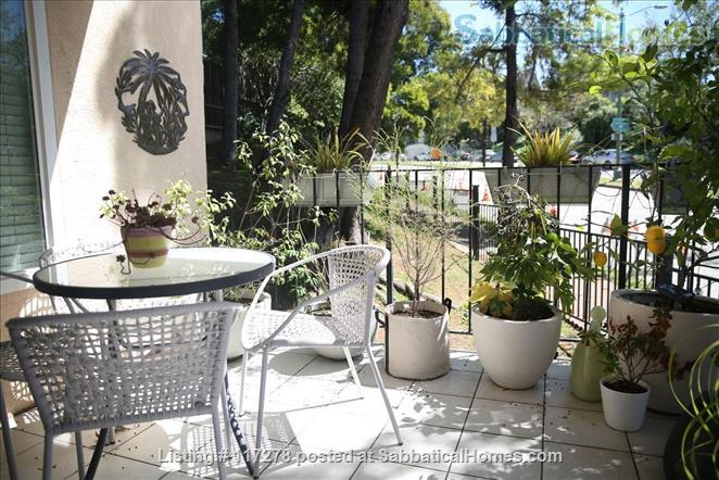 Beautifully renovated 2 bedroom, 2 bath home with open kitchen Home Rental in Oakland, California, United States 7