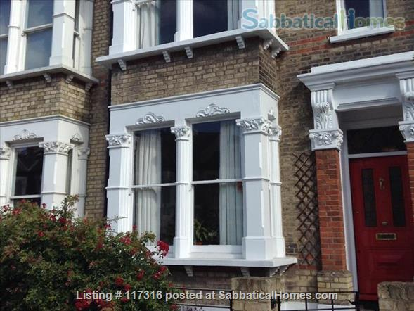 Lovely light sunny loft and separate kitchen in Clapham, South London Home Rental in Greater London, England, United Kingdom 5
