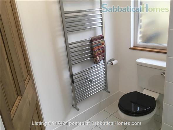 DOUBLE ROOM AND PRIVATE SHOWER ROOM IN CLEAN FRIENDLY FAMILY HOUSE NEAR OVAL/CAMBERWELL Home Rental in Greater London, England, United Kingdom 3