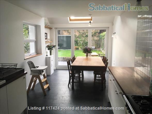 DOUBLE ROOM AND PRIVATE SHOWER ROOM IN CLEAN FRIENDLY FAMILY HOUSE NEAR OVAL/CAMBERWELL Home Rental in Greater London, England, United Kingdom 5