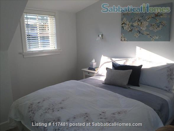 Buttercup Guest House Home Rental in Vancouver, British Columbia, Canada 3