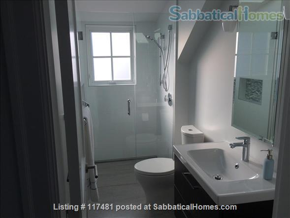 Buttercup Guest House Home Rental in Vancouver, British Columbia, Canada 4