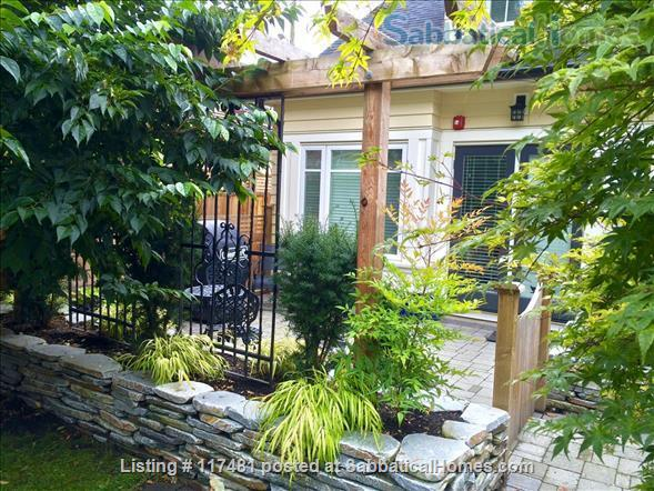 Buttercup Guest House Home Rental in Vancouver, British Columbia, Canada 7