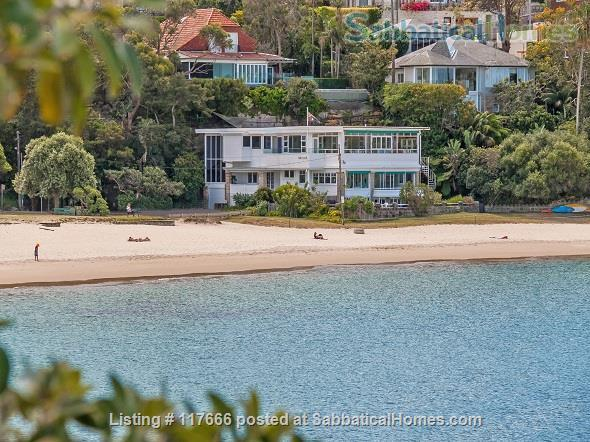 The Oriana -  Absolute beach frontage on Sydney Harbour. Home Rental in Mosman, New South Wales, Australia 1