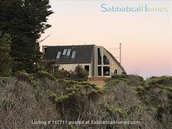 Beautiful, private, unique architectural home on the southern Mendocino Coast Home Rental in Gualala, California, United States 0