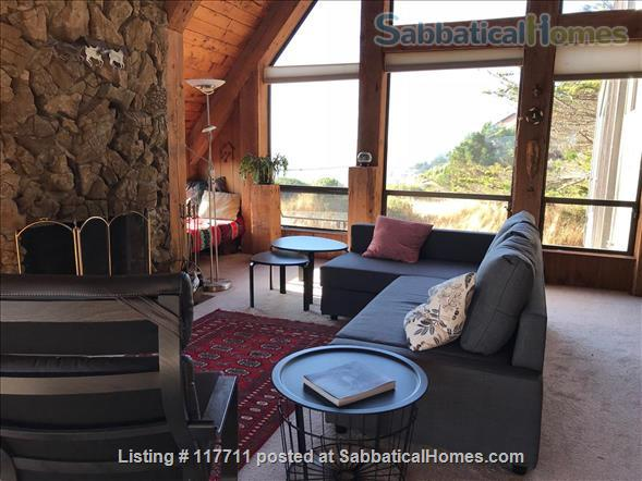 Beautiful, private, unique architectural home on the southern Mendocino Coast Home Rental in Gualala, California, United States 2