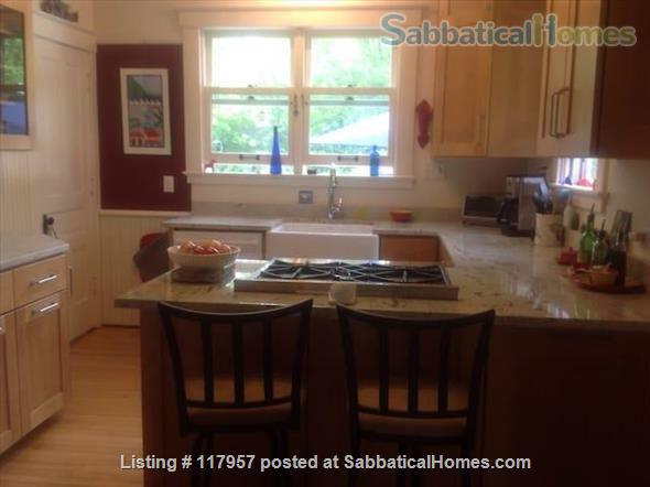 Short term/Dec 1 2021/1 BR Furnished UM/Downtown  Home Rental in Ann Arbor, Michigan, United States 1