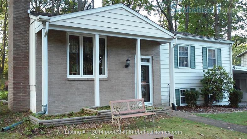Furnished Single Family Home in Park Forest Home Rental in State College, Pennsylvania, United States 1