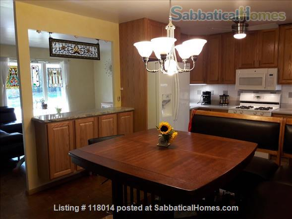 Furnished Single Family Home in Park Forest Home Rental in State College, Pennsylvania, United States 5