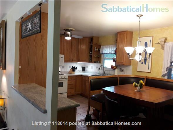 Furnished Single Family Home in Park Forest Home Rental in State College, Pennsylvania, United States 6