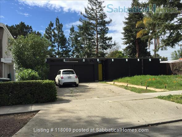 EICHLER, FURNISHED in Midtown Palo Alto, NEAR STANFORD Home Rental in Palo Alto, California, United States 1