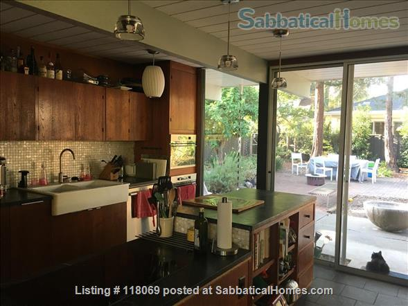 EICHLER, FURNISHED in Midtown Palo Alto, NEAR STANFORD Home Rental in Palo Alto, California, United States 3