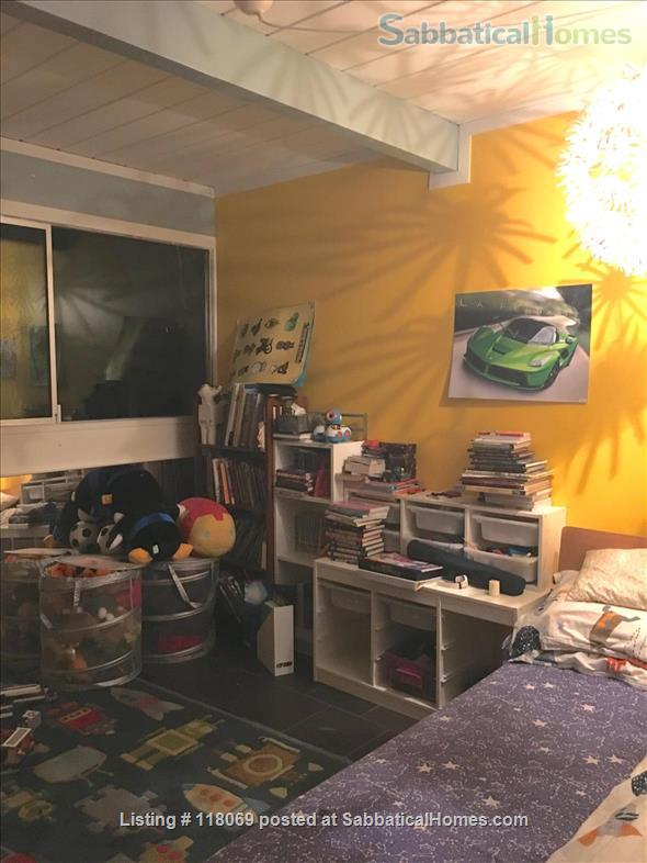EICHLER, FURNISHED in Midtown Palo Alto, NEAR STANFORD Home Rental in Palo Alto, California, United States 4