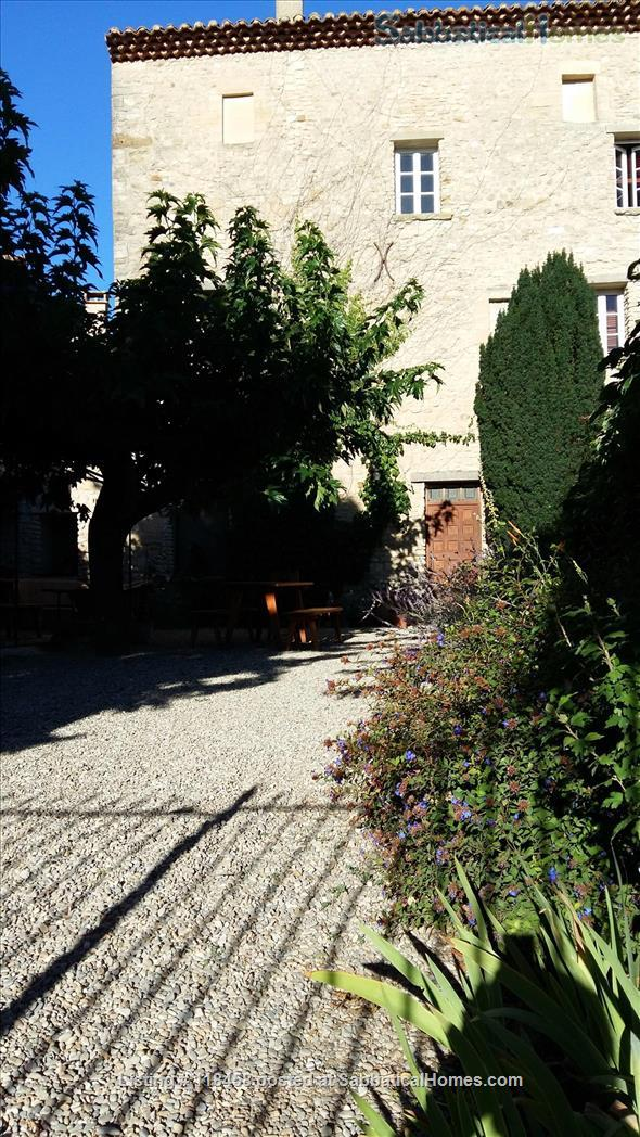 Centuries-old stone house  surrounded by cherry orchards and vineyards Home Rental in Malemort-du-Comtat, Provence-Alpes-Côte d'Azur, France 1