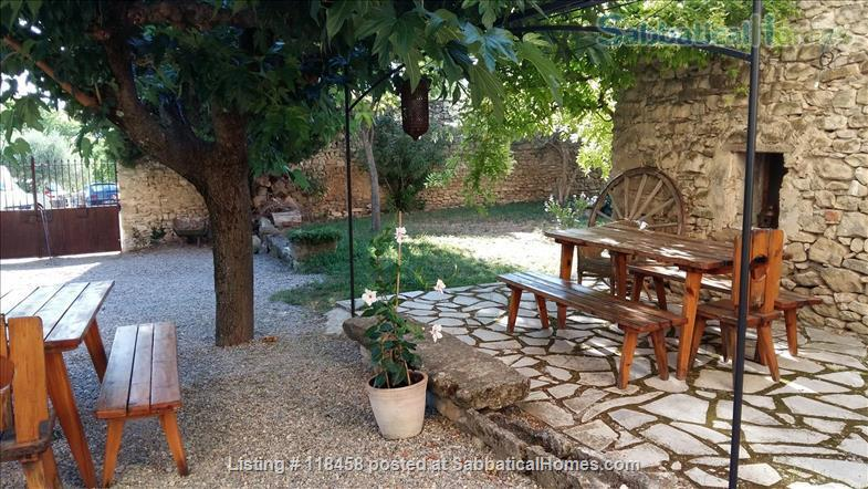 Centuries-old stone house  surrounded by cherry orchards and vineyards Home Rental in Malemort-du-Comtat, Provence-Alpes-Côte d'Azur, France 0
