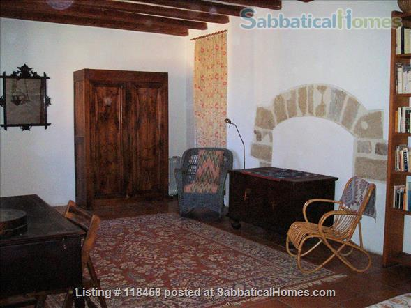 Centuries-old stone house  surrounded by cherry orchards and vineyards Home Rental in Malemort-du-Comtat, Provence-Alpes-Côte d'Azur, France 4