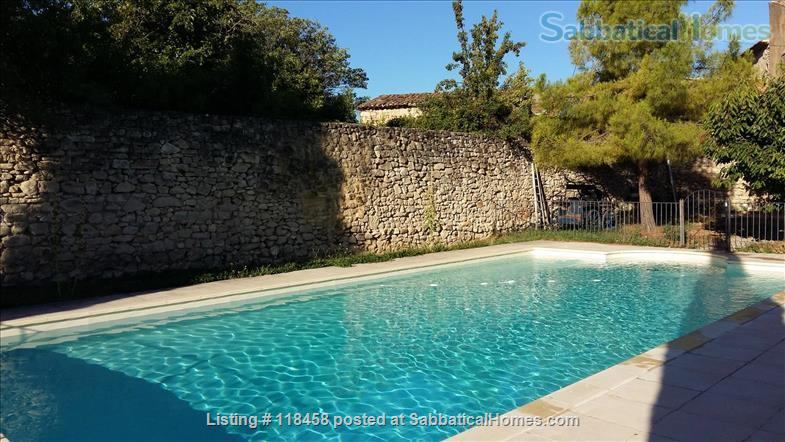 Centuries-old stone house  surrounded by cherry orchards and vineyards Home Rental in Malemort-du-Comtat, Provence-Alpes-Côte d'Azur, France 8