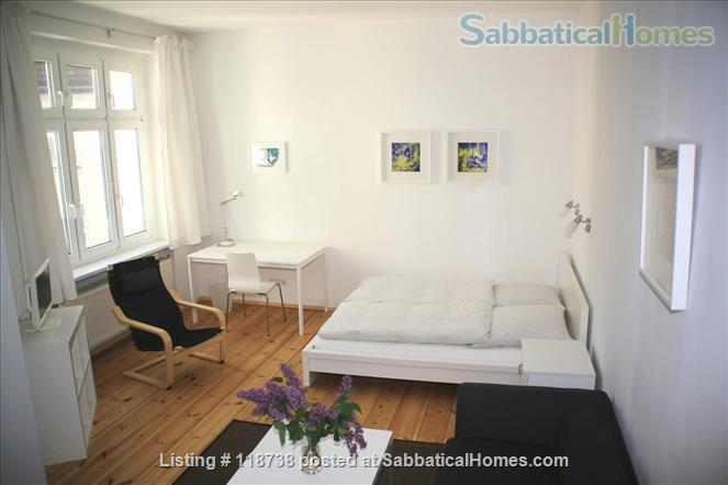 ** BRIGHT APARTMENT IN SUPER LOCATION ** Home Rental in Berlin, Berlin, Germany 1