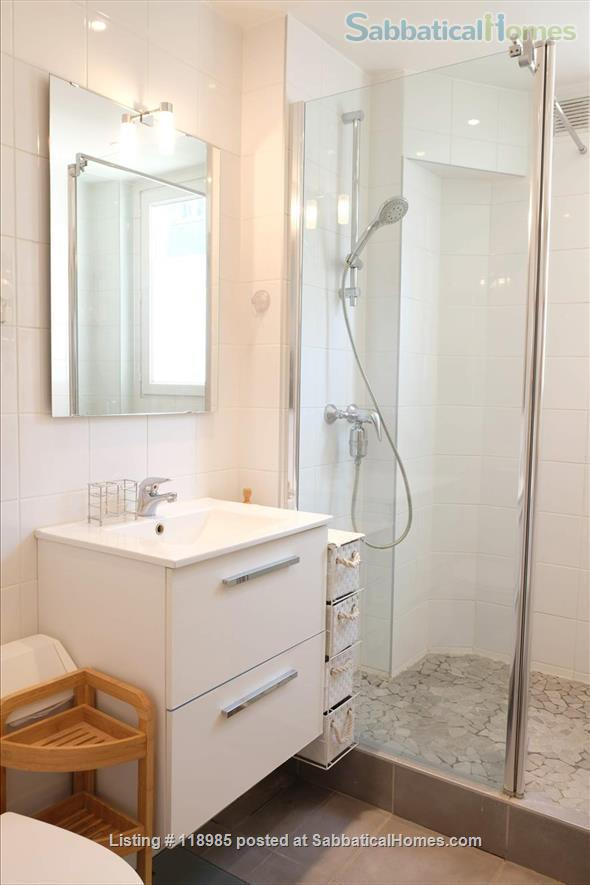Peaceful and Sunny 2 bedroom with great view in Paris 15e Home Rental in Paris, Île-de-France, France 4