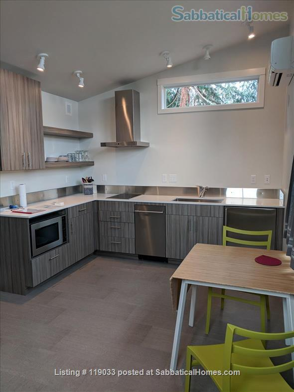 AVAILABLE - Montlake Ally Hse near UW, SU Fred Htch Amzn, Gogle, Swdish Hsp Home Rental in Seattle, Washington, United States 2