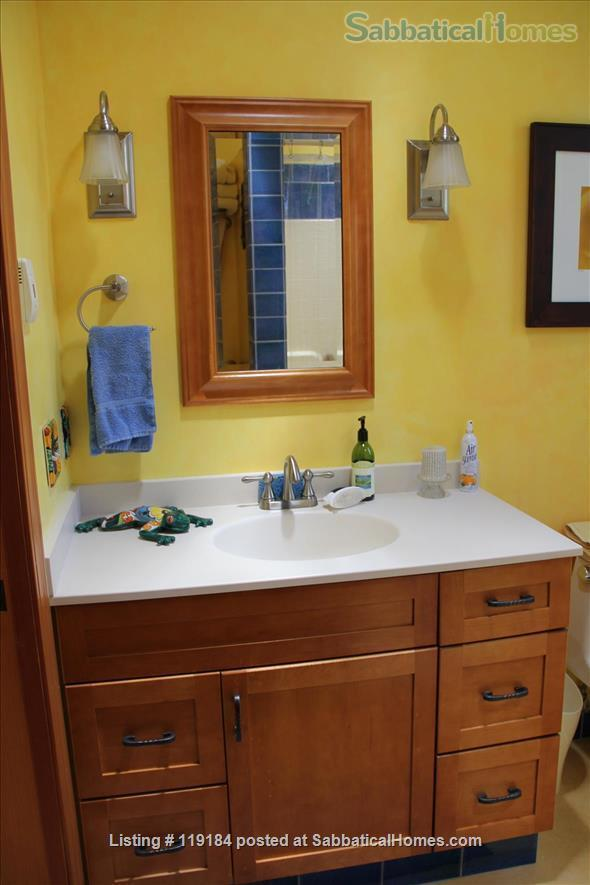 """FURNISHED  """"SERENITY"""" ROOM IN BEAUTIFUL HOME 3 BLOCKS FROM ASHBY BART Home Rental in Oakland, California, United States 6"""