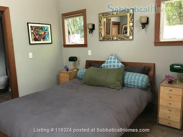 Beautiful Custom Built 1 Bedroom Separate Cottage In The Heart of Elmwood in Berkeley.   Home Rental in Berkeley, California, United States 2