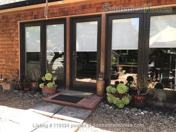 Beautiful Custom Built 1 Bedroom Separate Cottage In The Heart of Elmwood in Berkeley.   Home Rental in Berkeley, California, United States 8