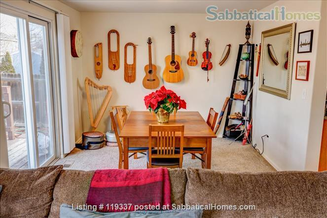Art filled, Sun Drenched multi-level home 30 minutes to Boulder, 45 to RMNP Home Rental in Longmont, Colorado, United States 3