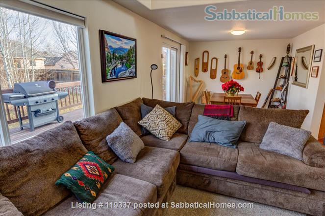 Art filled, Sun Drenched multi-level home 30 minutes to Boulder, 45 to RMNP Home Rental in Longmont, Colorado, United States 4