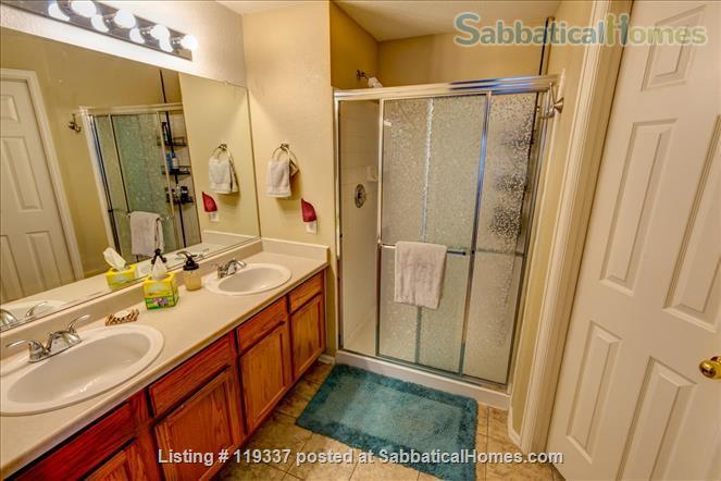 Art filled, Sun Drenched multi-level home 30 minutes to Boulder, 45 to RMNP Home Rental in Longmont, Colorado, United States 6