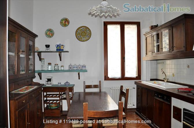 Fast WiFi, remote work (apt.2D)  Charming, Quiet, Family-friendly 2br Apt in Central Ancient Bldg w/Elevator. Home Rental in Firenze, Toscana, Italy 1