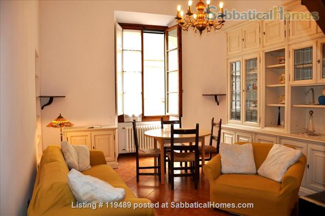 Fast WiFi, remote work (apt.2D)  Charming, Quiet, Family-friendly 2br Apt in Central Ancient Bldg w/Elevator. Home Rental in Firenze, Toscana, Italy 2