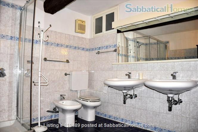 Fast WiFi, remote work (apt.2D)  Charming, Quiet, Family-friendly 2br Apt in Central Ancient Bldg w/Elevator. Home Rental in Firenze, Toscana, Italy 7