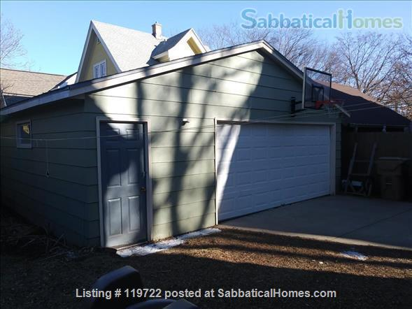 3 BR/1.75 Bath Craftsman Home on Madison Near East Side Home Rental in Madison, Wisconsin, United States 9