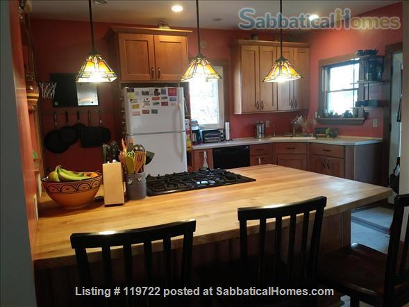3 BR/1.75 Bath Craftsman Home on Madison Near East Side Home Rental in Madison, Wisconsin, United States 0
