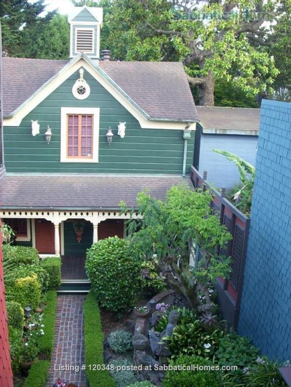 Circa 1883 San Francisco Carriage House Home Rental in San Francisco, California, United States 7