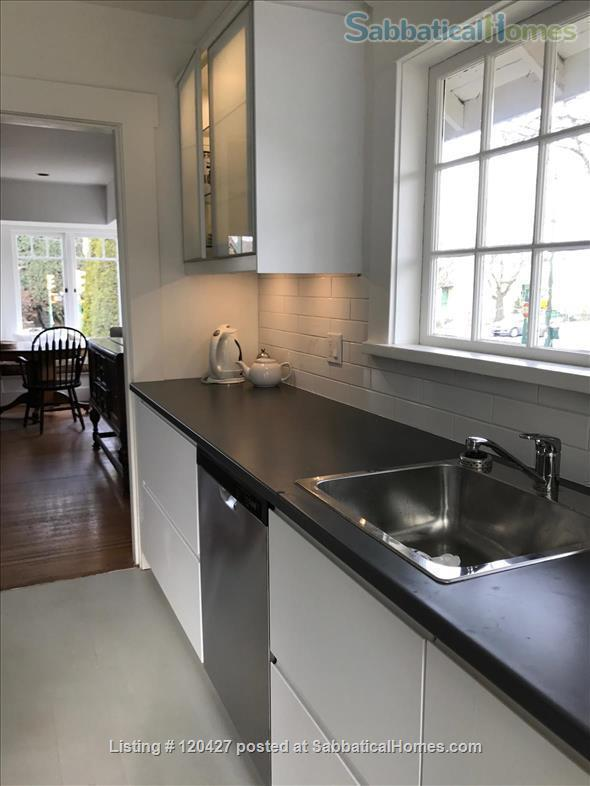 Lovely Character Home in Point Grey Home Rental in Vancouver, British Columbia, Canada 2