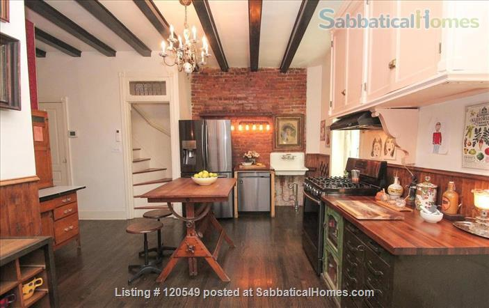 ENTIRE  EXTRAORDINARY VICTORIAN HOUSE 10 MINUTES AWAY FROM UPENN AND DREXEL UNIVERSITIES Home Rental in Philadelphia, Pennsylvania, United States 9